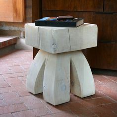 Gonzales Stool Table