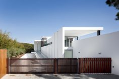Casa Vale Do Lobo by Arqui+Arquitectura