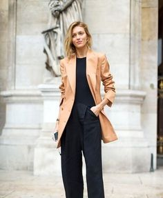 Womens Clothing Stores, Clothes For Women, What To Wear Today, How To Wear, Fall Blazer, Girl Fashion, Womens Fashion, Fashion Design, Minimal Wardrobe