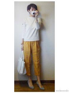モコーデ: DHOLICの黄色いパンツで上品商談コーデと憧れのトレース台 4月12日