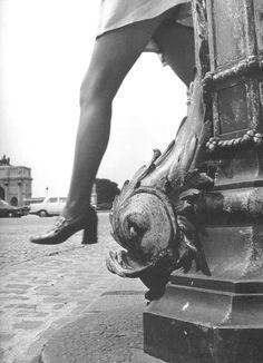 PH - Robert Doisneau - Place du Carrousel, Paris. 1971
