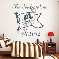 Wandtattoo mit Flagge und Wunschnamen für echte Piraten / pirate wall tattoo by wandtattoo-loft via DaWanda.com