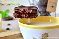 biscuits chocolat menthe  - http://www.mesinspirationsculinaires.com/article-biscuits-chocolat-menthe.html