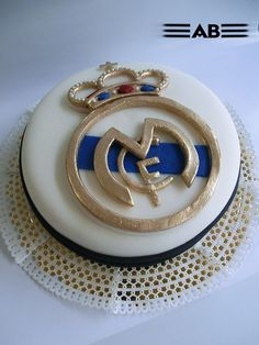 My birthday's in a few months so. Gorgeous Cakes, Amazing Cakes, Torta Real Madrid, Sport Cakes, Soccer Cakes, Dessert Quotes, Soccer Birthday, Soccer Party, Sports Themed Cakes