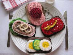 Hanne Rimmen: Restenisser i lange rækker + en hurtig DIY Crochet Baby Toys, Crochet Food, Crochet Gifts, Crochet Animals, Crochet For Kids, Crochet Dolls, Crochet Patterns Amigurumi, Crochet Motif, Knit Crochet