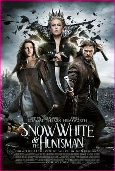 Snow White and the Huntsman movie images. New images from Snow White and the Huntsman starring Kristen Stewart, Chris Hemsworth, and Charlize Theron. Films Hd, Hd Movies, Movies To Watch, Movies Online, Movies And Tv Shows, Action Movies, Comedy Movies, Indie Movies, Chris Hemsworth