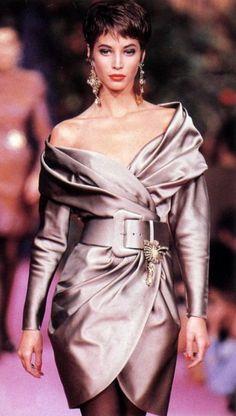 Christy Turlington. Christian Lacriox, 1990