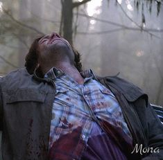 Season Sam Winchester is a freaking superhero and no one can convince me otherwise. Jared Padalecki Supernatural, Winchester Supernatural, Supernatural Tv Show, Winchester Boys, Supernatural Seasons, Winchester Brothers, Supernatural Convention, Netflix, Imagines