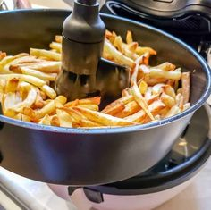 ActiFry French Fries Recipe for Crispy Low Fat Fries #recipes #recipe #appetizers #potato Best French Fries, Making French Fries, French Fries Recipe, Tefal Actifry, Chips Restaurant, Air Fryer French Fries, Actifry Recipes, Cooking Recipes, Healthy Recipes