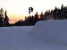 Darrell Mathes. Mt. Seymour. Photo: Aaron Blatt #howlgloves #snowboard