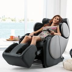 3D Massage gives you the most human-like massage possible. My dream chair.