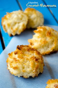 Ingredient Coconut Macaroons You need just three ingredients for these coconut macaroons and they are ready to go in the oven in 10 minutes. These are glutenfree too. Gluten Free Desserts, Just Desserts, Gluten Free Recipes, Baking Recipes, Cookie Recipes, Delicious Desserts, Yummy Food, Coconut Recipes Healthy, Dessert Recipes