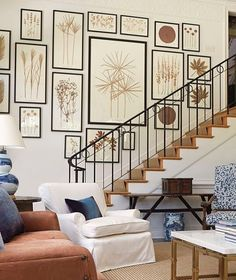 30 wonderful stairway gallery wall ideas gorgeous interior i Stairway Pictures, Stairway Gallery Wall, Stairway Art, Gallery Walls, Art Gallery, Frame Gallery, Foyers, Home Decor Styles, Stairways