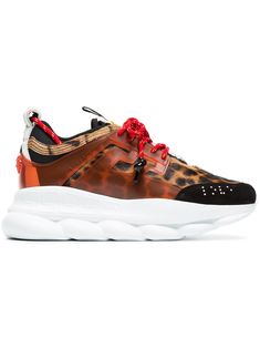 multicoloured Chain Reaction leopard print leather sneakers from Versace. Versace Sneakers, German Fashion, Italian Fashion, Retro Chic, Leather Sneakers, Shoes Sneakers, Versace Designer, Chain Reaction, Colorful Fashion
