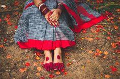 Wedding Couple Poses Photography, Couple Photoshoot Poses, Photoshoot Themes, Saree Photoshoot, Fashion Photography Poses, Indian Photography, Girl Photography Poses, Wedding Photoshoot, Cute Girl Pic
