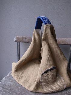Ani's media statistics and analytics My Bags, Purses And Bags, Triangle Bag, Origami Bag, Sacs Design, Boho Bags, Craft Bags, Linen Bag, Fabric Bags
