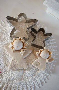Discover recipes, home ideas, style inspiration and other ideas to try. Clay Christmas Decorations, Polymer Clay Christmas, Polymer Clay Ornaments, Polymer Clay Crafts, Angel Crafts, Christmas Crafts, Christmas Ornaments, Clay Angel, Pottery Angels