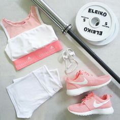 30 Cool Stylish Summer Workout Outfits for Women - Gym Outfit Ideas - Fashion Week Fitness Outfits, Sporty Outfits, Athletic Outfits, Athletic Wear, Fitness Fashion, Gym Outfits, Summer Workout Outfits, Pink Workout, Workout Attire