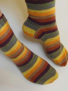 Lankaterapiaa: Välipala - Stripemania socks