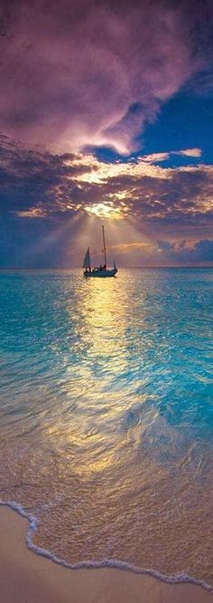 Makalawena Beach ~ Kailua Kona, Hawaii - I want to try sailing some day! Oh The Places You'll Go, Places To Visit, Ciel, Belle Photo, Beautiful Beaches, Beautiful Sunset, Dream Vacations, Beautiful World, Wonders Of The World