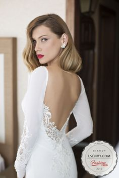 Orchid Bridal Collection by Julie Vino Spring 2015 - Belle The Magazine - Damen Hochzeitskleid and Schuhe! Best Wedding Dresses, Trendy Wedding, Wedding Gowns, Dream Wedding, Winter Wedding Dresses, Wedding Blog, Winter Wedding Makeup, Wedding Venues, Wedding Simple