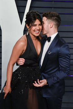 Priyanka Chopra and Nick Jonas attend the 2019 Vanity Fair Oscar Party hosted by Radhika Jones at Wallis Annenberg Center for the Performing Arts on February 2019 in Beverly Hills, California. Get premium, high resolution news photos at Getty Images Young Couples, Cute Couples, Miss World 2000, I Believe In Love, Vanity Fair Oscar Party, Jonas Brothers, Nick Jonas, Indian Celebrities, Bollywood Actors