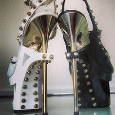 Gianmarco Lorenzi Gianmarco Lorenzi, Unique Shoes, Hot Shoes, Sexy High Heels, Shoe Game, My Best Friend, Me Too Shoes, Studs, Shoe Boots