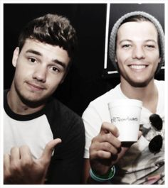 Day 19 - Favorite Lilo photo: This is just absolutely adorable!!  I mean, LOOK AT THEM!!! :D