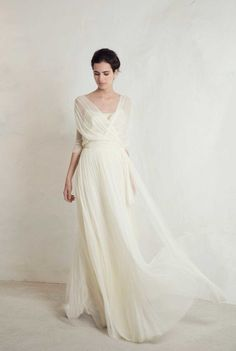 Wedding Dress Ideas, Designers & Inspiration : Julio Top with Lucky Skirt from Cortana wedding dresses Bridal Collection – Silk satin top with silk tulle flowing layered skirt – see… Wedding Dress Rose, Wedding Gowns, Wedding Dress With Shawl, Greek Wedding Dresses, Wedding Shoes, Trendy Wedding, Boho Wedding, Wedding Pictures, Wedding Table