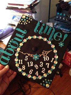 high school graduation cap decoration ideas for girls Graduation Cap Designs, Graduation Cap Decoration, High School Graduation, College Graduation, Graduation Gifts, Graduation Ideas, Graduation 2015, Graduation Photos, Grad Hat