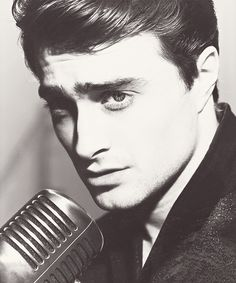 Daniel Radcliff...man, I want a picture of me like this!
