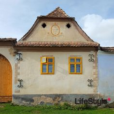 Viscri is one of the most beautiful Saxon villages in Transylvania, designated as a World Heritage Site by UNESCO. World Heritage Sites, Countryside, Countries, Journey, Outdoors, Houses, House Styles, Places, Travel