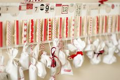 Love the pegs, would be good to hold cards also. Days To Christmas, Christmas Crafts, Christmas Decorations, Xmas, Christmas Ideas, Advent Calenders, Diy Advent Calendar, Christmas Inspiration, Holidays And Events