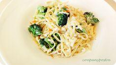 Espaguetis con crema, brécol y aroma de mandarina / Spaghetti with cream, broccoli and mandarin Broccoli, Spaghetti, Cream, Ethnic Recipes, Food, Fast Recipes, Ethnic Food, Dessert, Food Items