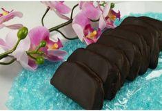 Νόστιμες σπιτικές καριόκες για όσους λατρεύουν τη σοκολάτα Sweets Cake, Dessert Recipes, Desserts, Food Videos, Sweet Recipes, Biscuits, Candy, Cookies, Baking