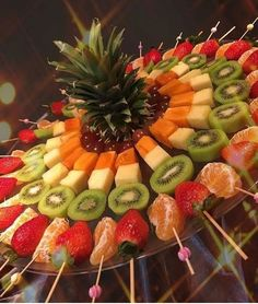 """>> 50 Pictures of Unique and Creative Food Recipes - Web Delicious - s. - > 50 Pictures of Unique and Creative Food Recipes – Web Delicious – s…""""> >> 50 Pictures of Unique and Creative Food Recipes – Web Delicious – snacks decorations crafts Fruits Decoration, Fruit Buffet, Veggie Tray, Vegetable Platters, Food Platters, Cheese Platters, Party Snacks, Party Trays, Fruit Party"""