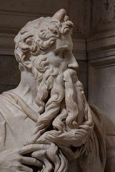 1513-15 circa e 1542.Moses by Michelangelo Buonarroti.Tomb (1505-45) for Julius II,San Pietro in Vincoli (Rome) Marmo.235 cm. basilica di San Pietro in Vincoli, Roma.