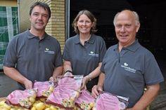 GODE KARTOFLER: Kampagnen Støt Brysterne bakkes igen i år op af producenter og avlere på Lammefjorden. Derfor kommer vi igen til at se de lidt specielle poser i butikkerne. #kræft #kartofler #gulerødder #Lammefjorden