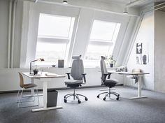 You deserve an office chair that is right for your body. With RH Logic, you can choose a high or low back and a number of other design features. #InspireGreatWork #design #ergonomics #wellbeing #Scandinavian #office
