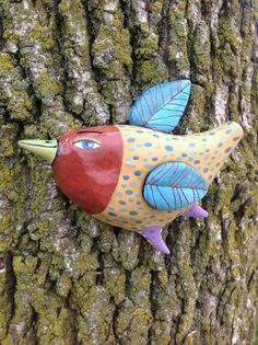 oh yeah Plaster Art, Brown Bird, Blue Wings, Organic Form, Bird Art, Clay Art, Masks, Projects To Try, Felt