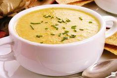 A sopa cremosa com carne e legumes é uma ótima pedida para os dias mais frios! Saiba como preparar essa receita deliciosa!