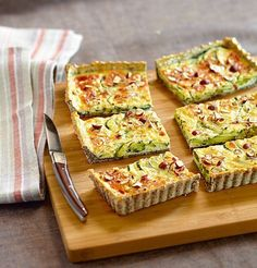 tartes courgettes noisettes Vegetable Pie, Vegetable Recipes, Savoury Baking, Savoury Dishes, Quiches, Diabetic Recipes, Vegetarian Recipes, Healthy Recipes, Tart Recipes