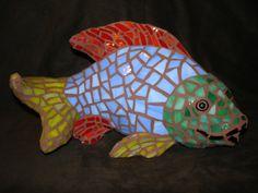 Mosaic Fish Garden Mosaics, Mosaic Art, Dinosaur Stuffed Animal, Arts And Crafts, Fish, School, Animals, Mosaics, Animaux