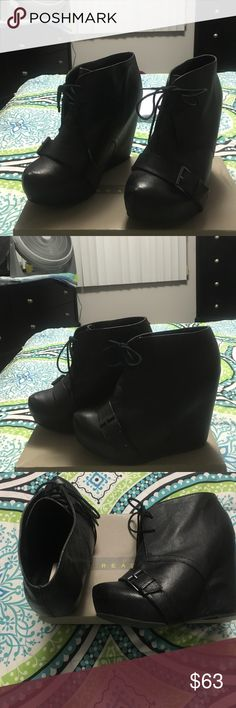 Steve Madden platform ankle boots Black platform Leather upper ankle boots that tie up and has an adjustable buckle across the front of the shoe size 9M run small so if you wear an 8 you can fit them! Steve Madden Shoes Platforms