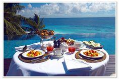 Breakfast on Fregate