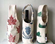 Organic cotton canvas bottle totes. Hand printed. A perfect eco-friendly wrapping for a bottle of wine. Bring to the host of your next dinner invitation! Gifts For Boss, Gifts For Wine Lovers, Gift For Lover, Large Cushion Covers, Wine Tote, Zipper Bags, Cotton Canvas, Liquor, Print Design