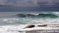 Stormy Yamba afternoon waves  by Graham Cook (Flickr)