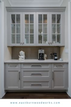 KITCHEN Off white butler pantry cabinetry with mullion doors and shaker doors by Eastburn Woodworks in Pensacola, FL Built In Hutch, Built In Cabinets, Kitchen Cabinets With Glass Doors, Built In Buffet, Built In Pantry, Kitchen Cabinetry, Bathroom Cabinets, Kitchen Nook, New Kitchen