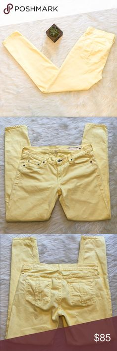 🆕Rag & Bones Yellow Skinny Jeans Rag & Bones skinny yellow jeans. Size 29 inseam is 28'. EUC. One tiny little speck on back left pocket. Will probably come out in next wash. (So super tiny! But I rather disclose!) This color is so beautiful it's a pale yellow. Perfect spring/summer color. ❌No trades ❌ Modeling ❌No PayPal or off Posh transactions ❤️ I 💕Bundles ❤️Reasonable Offers PLEASE ❤️ Bundle & SAVE❗️❗️ rag & bone Jeans Skinny