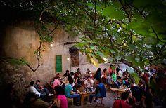 Six D.O.G.S. multivenue in Monastiraki